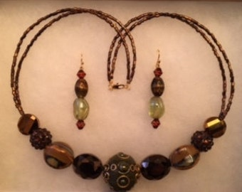 Brown Detailed Beaded Necklace and Earring Set