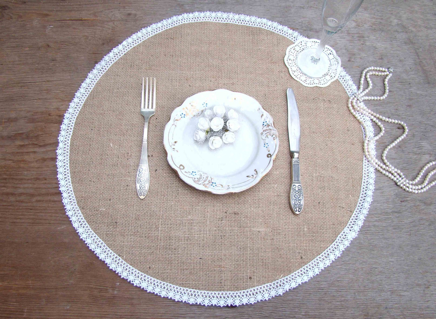 Wedding burlap placemat round table setting circular dinner for Dinner table placemats