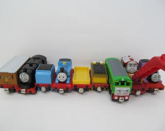 Thomas The Tank Engine Lot of 9 Train Cars - magnetic