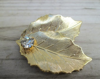 Vintage Gold tone Holly Leaf Pin Brooch with Clear Rinestone