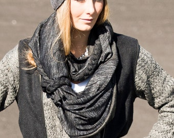 Balance 30%, braided infinite scarf charcoal gray, monochrome