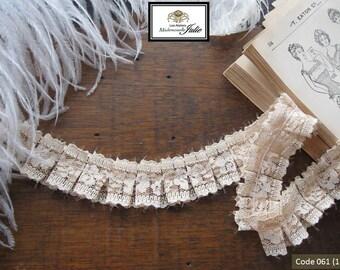 Beige lace pleated flat 2 meters
