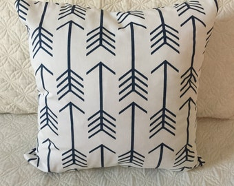 DECORATIVE PILLOW-White and Navy Arrow with zipper enclosure (F)
