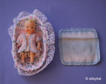 Vintage Barbie Baby-Sits Baby and Accessories, Fashion #953