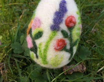 felt egg with flowers