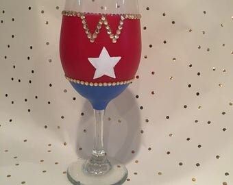 Wonder Woman, Wonder Woman Wine Glass, Hand Painted Wine Glass, Mothers Day Wine Glasses, Superhero Wine Glass