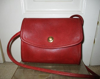 Vintage Coach small red leather shoulder bag