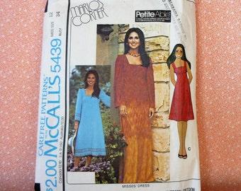 Vintage McCalls Sewing Pattern #5439, Size 12