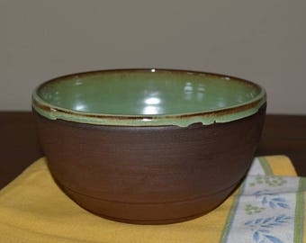Mixing bowl, serving bowl, vegetable dish, pasta bowl, green pottery, batter bowl, salad bowl, dessert bowl