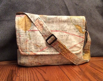 Peekaboo Messenger Bag, Waterproof, Map Pattern, for Hedgehogs, Sugar Gliders, Rats, and other Small Animals