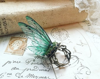 Pretty NEW forest green Faerie wing adjustable ring