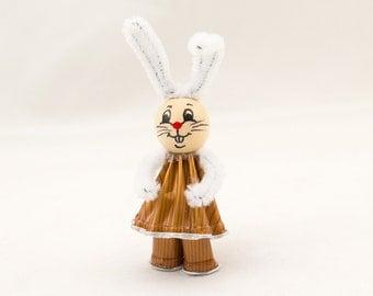 Upcycling Easter Bunny Cabrera