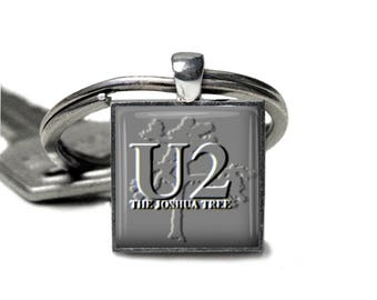 U2 Made to Order   Glass Cabochon Silver key chain  V5637