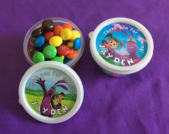 12 Personalized Kate and Mim-mim Candy containers / candy cups with lids / party favors