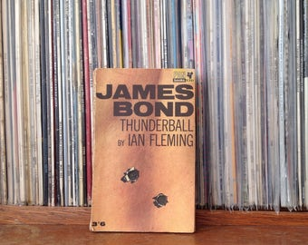 1963 Thunderball James Bond Book by Ian Fleming - Pan books