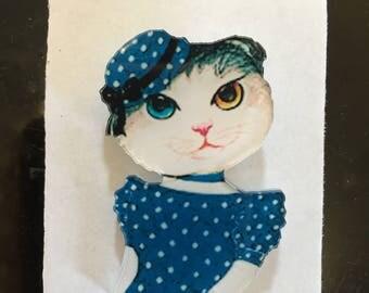 Elegant polka dot victorian beret tabby cat lady polka dot brooch 1970s