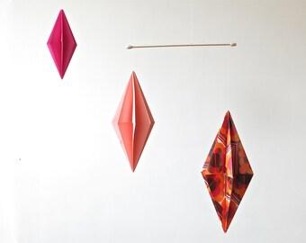 Mobile geometric origami