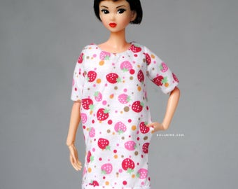 strawberry dress with pockets for Momoko & other 1:6 scale dolls