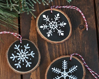 Personalized Ornament, Snowflake Ornament, Wood Slice Ornament, Hand Painted Ornament, Custom Ornament, Rustic Christmas Ornament