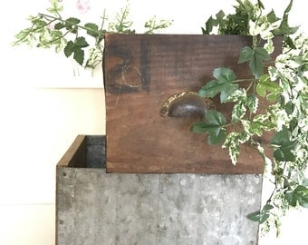 Vintage Galvanized and Wood Drawers / Galvanized Metal Drawers / Vintage Wooden Drawer Planter Box / Industrial Storage Farmhouse Decor