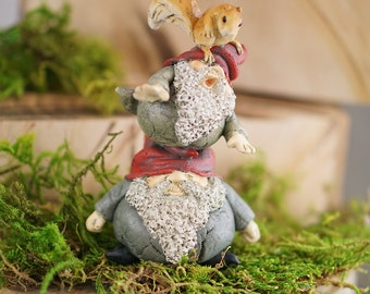 Garden Gnome Stacking With Squirrel