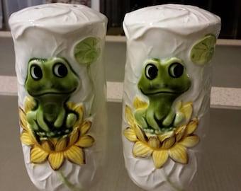 Vintage Ceramic Frog Salt and Pepper Shaker set Sears Roebuck 1978