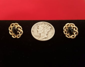 Vintage 14k gold & black Oynx earings