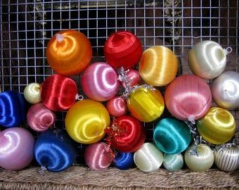 Silk Baubles, Kitsch Christmas, Vintage Decoration, Vintage Christmas, Decoration Lot, Vintage Xmas, 1970s Christmas, 1970s Xmas, Kitschmas