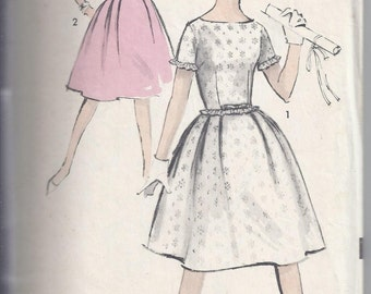 Vintage 1960s Sewing Pattern, Advance 2905, Dress, full skirt, Sleeveless, Fit and Flare, Sew Easy.  Junior  Bust  30 1/2