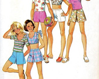 Simplicity 6423, Vintage Girls Pullover top, Pinafore Top, Pantskirt Shorts,  1970s Sewing Pattern, Size 12,  Stretch Knits, Complete