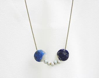 Necklace with lapis lazuli and ceramic beads
