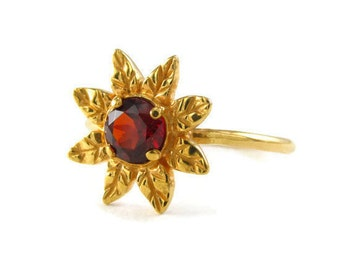 garnet gold ring, gold flower ring, Daisy Ring, 14k gold ring, gold daisy ring, january birthstone ring, sunflower ring, gold flower jewelry