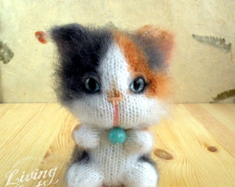Knit calico cat toy, calico cat plushie, stuffed kitty, knitted tortie cat, soft kitty, funny cat, cat lover gift, crazy cat lady
