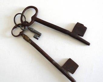 3 Antique Metal Keys - Large Vintage Keys