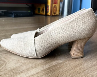 Tan Roberto Vianni pumps size 9