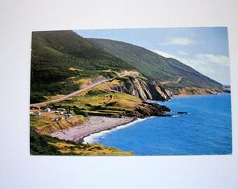 Cape Breton Island, Nova Scotia Postcard / Vintage Holiday Inn Souvenir / sydney  Postcard