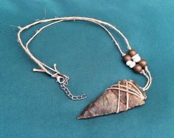The stake - big collar tip of arrow