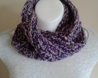 Mobius Infinity Scarf Loom Knitting Pattern : Items similar to Mobius infinity scarf LOOM KNITTING ...