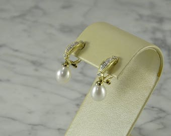 Diamond/Pearl 14K Gold Drop Earrings ( pierced)