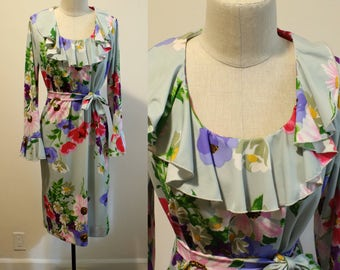 1960s style Ruffle Floral Dress