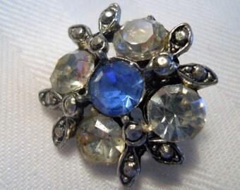 Blue Rhinestone Button ~ Beautiful vintage button in white metal setting ~ Gorgeous Button