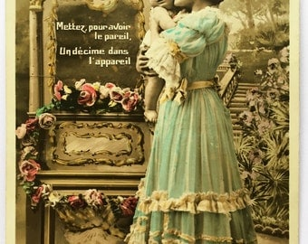 Antique Picture of Mother holding Baby * New old stock postcard