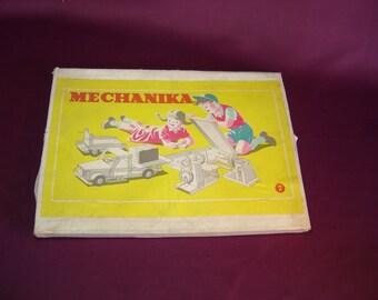 Jeu Mechanika. Genre meccano. Jouet construction métallique. Vintage Hongrie.