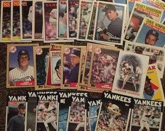 33 Topps Yankee Baseball Cards 1980's