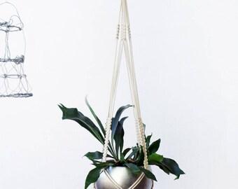 Plant Hanger, Plant Hanger Macrame, Modern Macrame, Macrame Plant Hanger, Macrame Plant Holder, Wall Hanging Macrame, Simple Wall Art