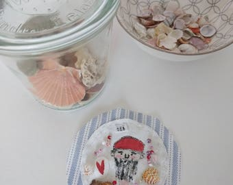 Brooch sailor & Shell white fabric striped sea maritime ocean sea water vintage sweet gift wife girlfriend sister patch badge
