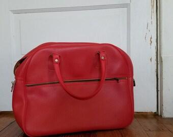 vintage red weekend or overnight bag