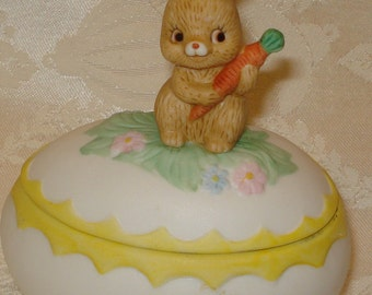 Lefton Egg with Easter Bunny