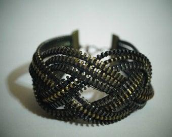 Bracelet knot Josephine, Black Zipper bracelet, Unusual zipper bracelet, Steampunk bracelet, Creative jewelry,  metal zippers