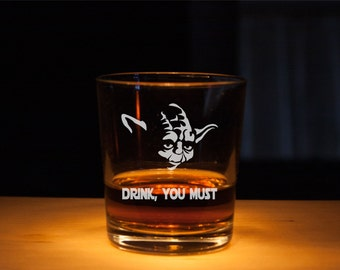 Star Wars Whiskey Glass, Rocks Glasses, Etched glass, Unique gift, Scotch glass, gift for dad, master yoda glass